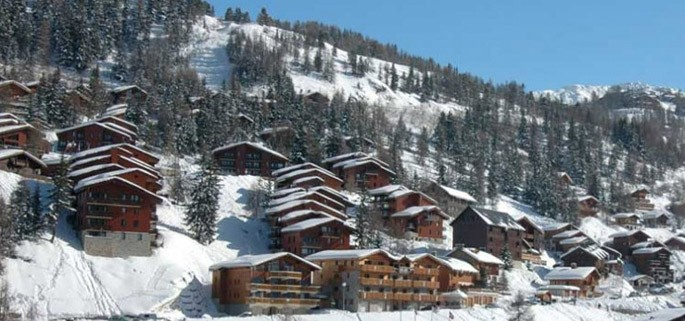 http://www.chaletline.co.uk/images/resorts/la%20plagne%201800%20main_maxi_x685y321.jpg