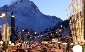Ski Chalets in Les Deux Alpes - Image Credit:� Copyright � Tourist Office Les 2 Alpes / Bruno LONGO